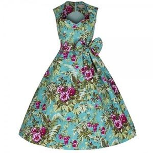 Dresses & Skirts - Floral Sweetheart Swing Dress